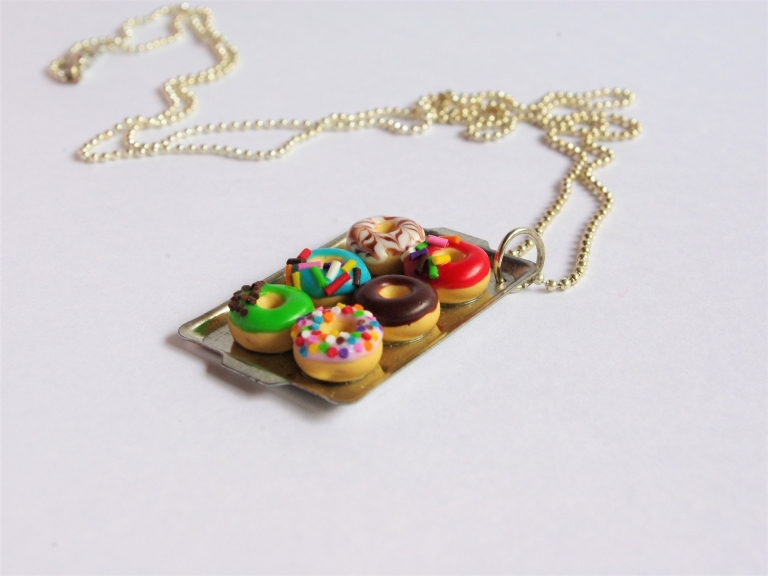 Collier long donuts